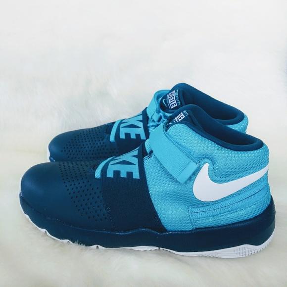 Nike Shoes   Team Hustle D8 Sneakers